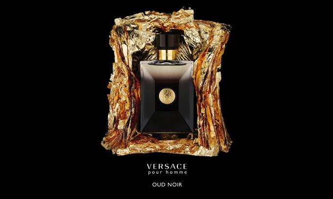 versace-oud-noir-comunicazione-lightbox-adv-singola-01-2